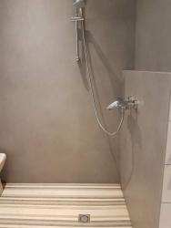 Bac à douche en Lamellé Roches®