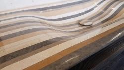 Vasque Pont d'Arc- Bonde habillée en Lamellé Roches®-Posée sur meuble en bois vieilli-